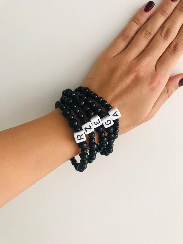 siyah-inci-harf-kolye